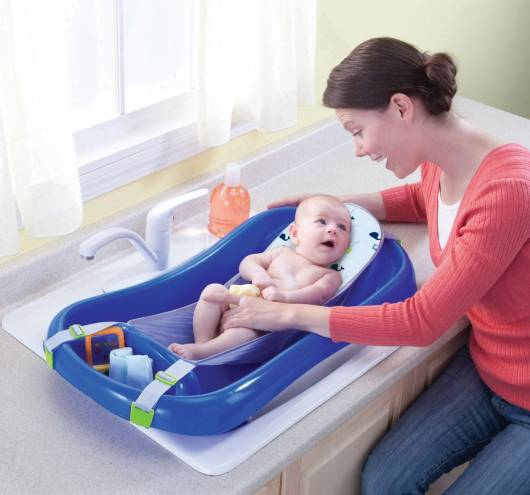 cuidados com recém-nascidos no banho