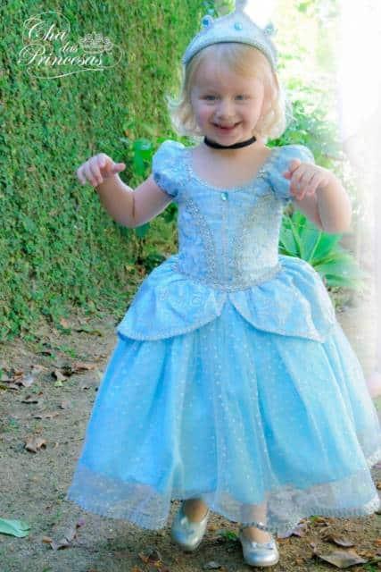 Há fantasias de Cinderela para crianças de todas as idades