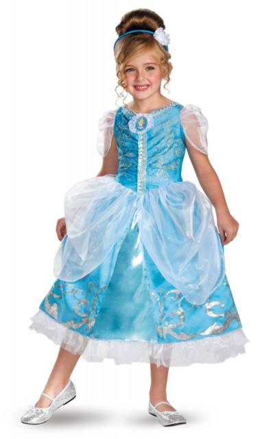O vestido de Cinderela é azul