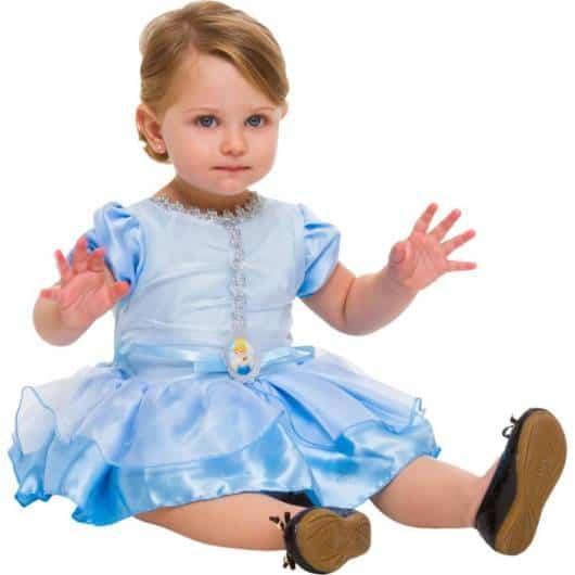 Há também fantasias para bebês da cinderela