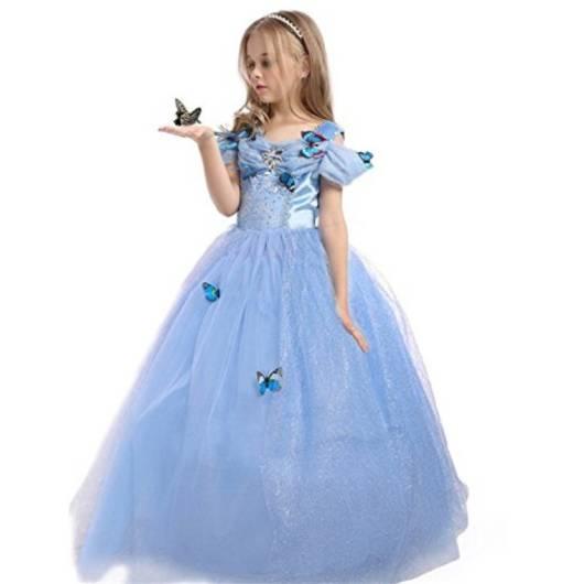 Veja que lindo vestido da Cinderela com apliques de borboletas
