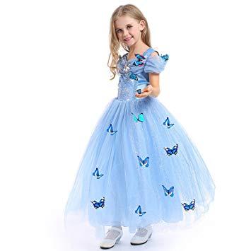 Outra fantasia linda da Cinderela com apliques de borboletas
