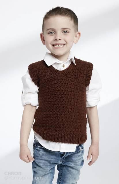 Colete Infantil Masculino: Em crochê marrom