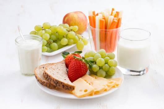 Aposte nas frutas e nos vegetais para alimentar os pequenos