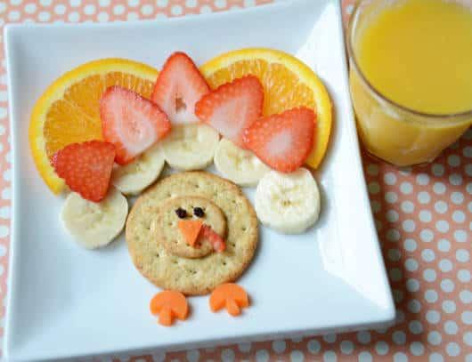 Crie desenhos com as frutas e demais alimentos