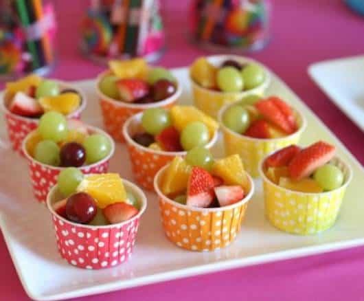 Saladas de frutas são ótimas para o verão