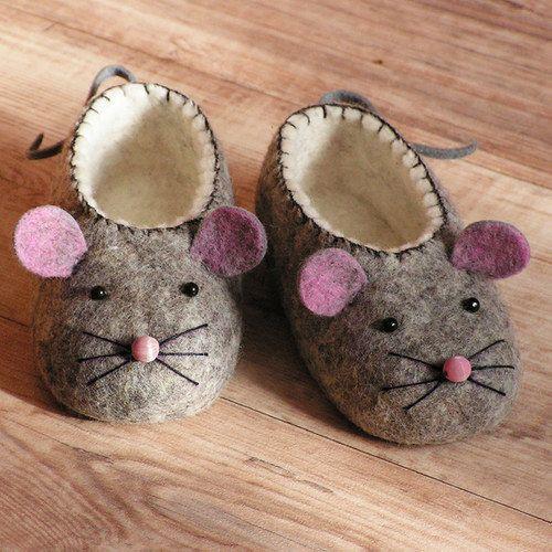 Sapatinho de bebê: Em feltro de ratinho