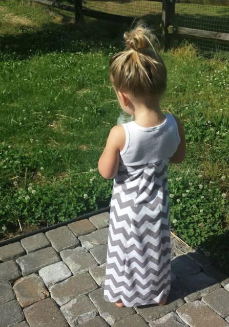 Vestido longo infantil: Para formatura com estampa chevron