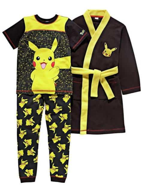 Há kits com pijama e roupão do Pokemon
