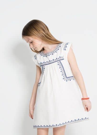 vestido branco e azul
