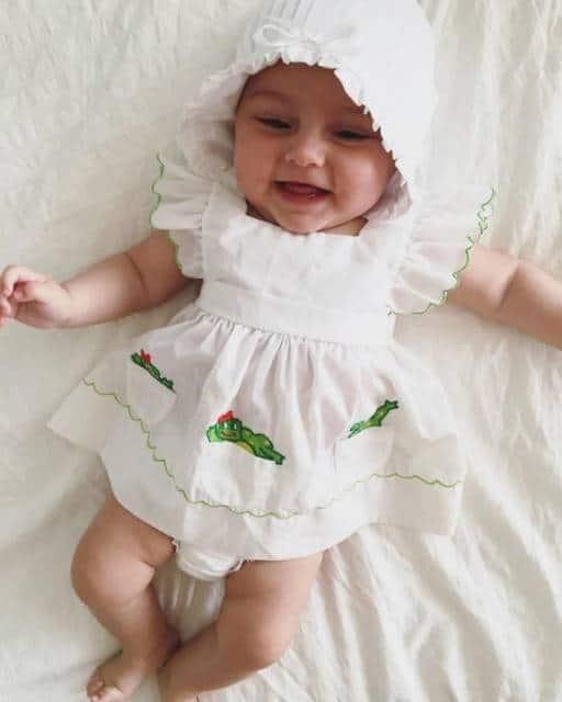 vestido simples bebê