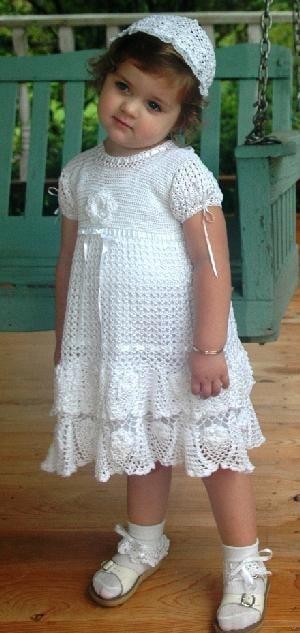 vestido de crochê com babados