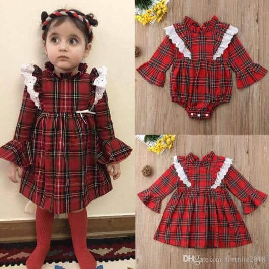 Bebês ficam lindas com vestidinho xadrez vermelho