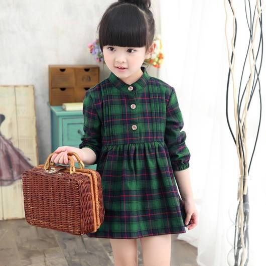 Vestido de flanela com estampa xadrez verde e preta