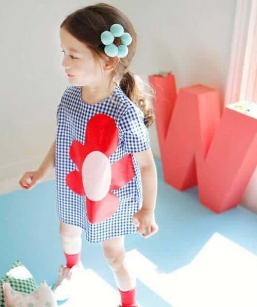 Esse tipo de vestido pode ser usado em festinhas de aniversário, bem como passeios