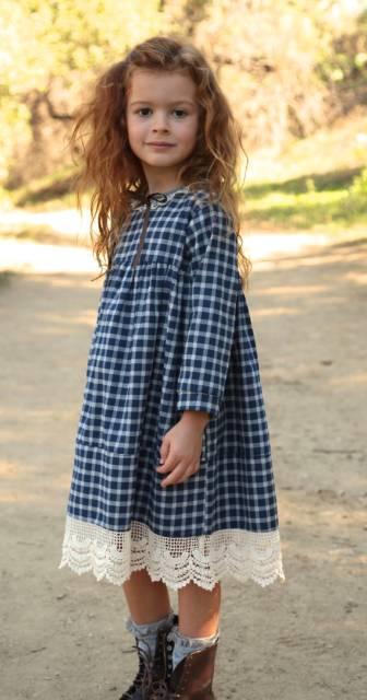 Sugestão de vestido xadrez infantil com renda
