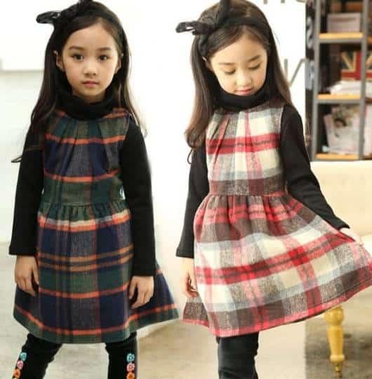 Duas ideias de look invernal com vestido xadrez
