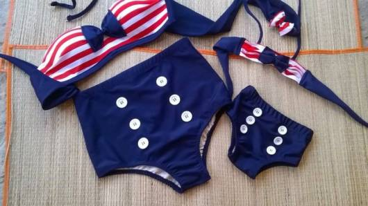 Biquíni cintura alta estilo navy