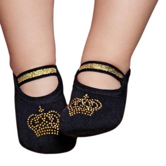 Também há meias com detalhes brilhantes