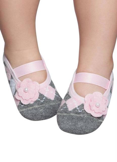 Bebês de todas as idades podem usar a meia sapatilha
