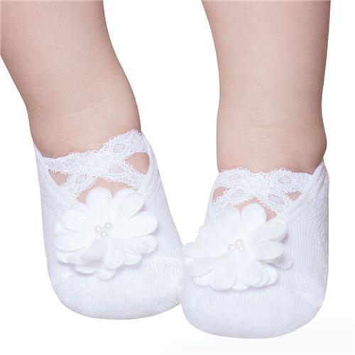 Meia sapatilha fofinha para passear com a bebê
