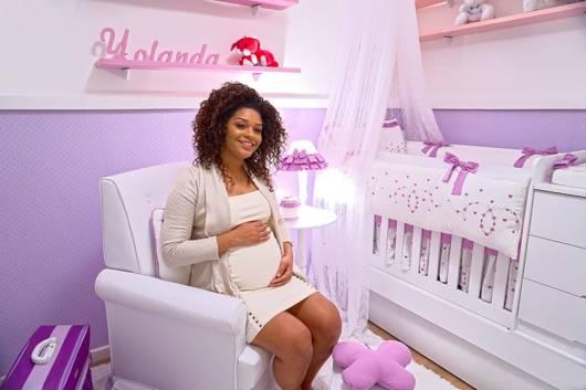 quarto de bebê rosa e lilás