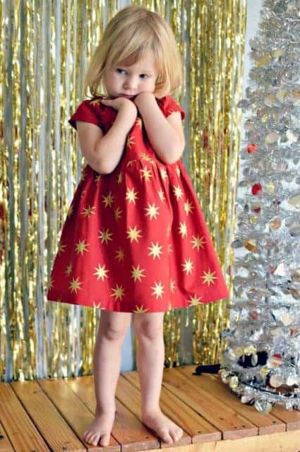 vestido com estampa dourada