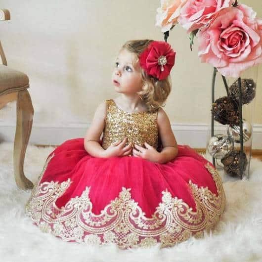 vestido de festa vermelho e dourado