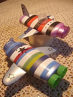 Brinquedo de sucata: avião de garrafa