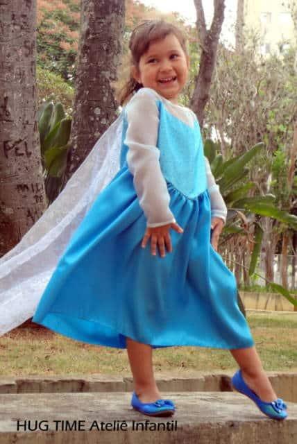 Vestido da frozen: simples com capa grande