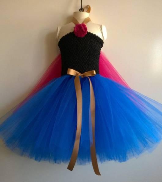 Vestido da frozen: vestido da Ana com tule