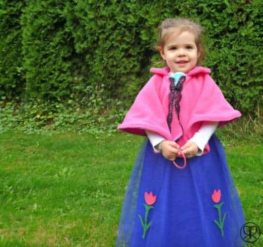 Vestido da frozen: vestido da Ana com capa