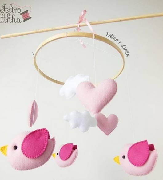 móbile de passarinho rosa