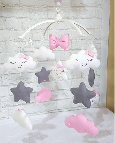 modelo de nuvem rosa e cinza