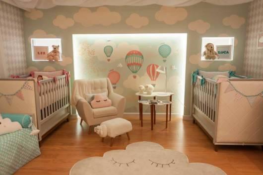 quarto com tema nuvem para casal de gêmeos