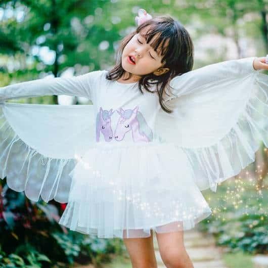 vestido branco lindo de unicórnio