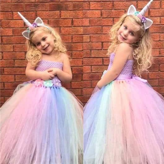 vestido unicórnio longo de festa com tiara