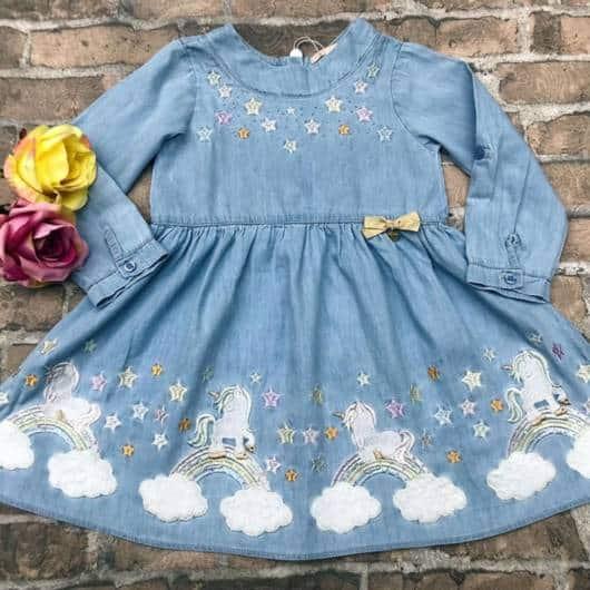 vestido petit cherie unicórnio