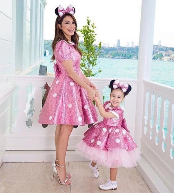vestido da Minnie rosa para mãe e filha