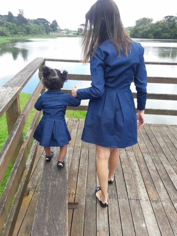 vestido mãe e filha com mangas longas