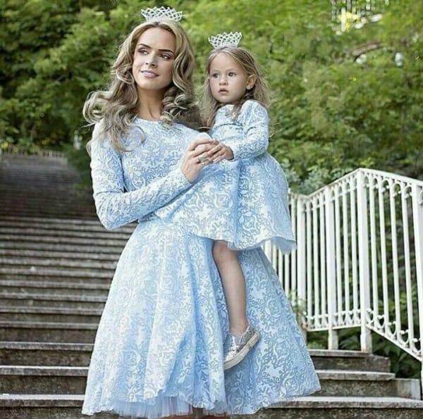 vestido princesa tal mãe tal filha