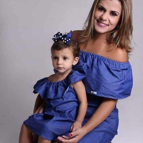 vestido ombro a ombro jeans para mãe e filha