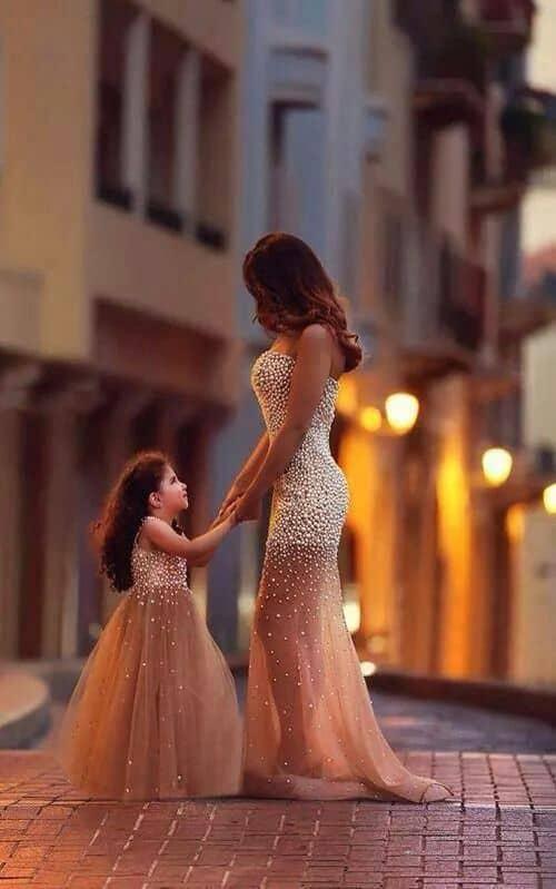 vestido tal mãe tal filha longo e bordado