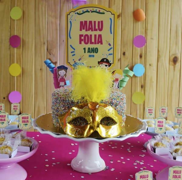 Bolo de Carnaval infantil 1 ano