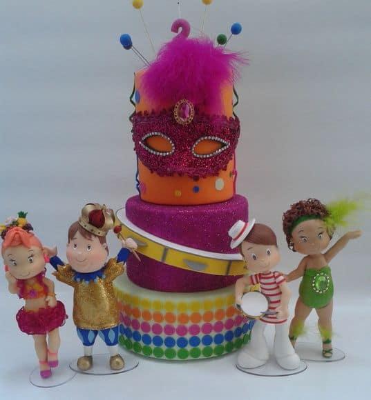 Bolo infantil para festa de carnaval