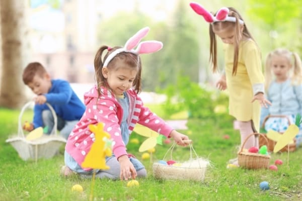 brincadeiras de pascoa caça aos ovos