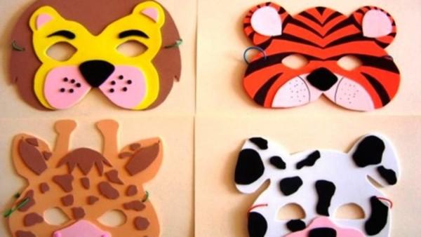 máscara colorida de animais