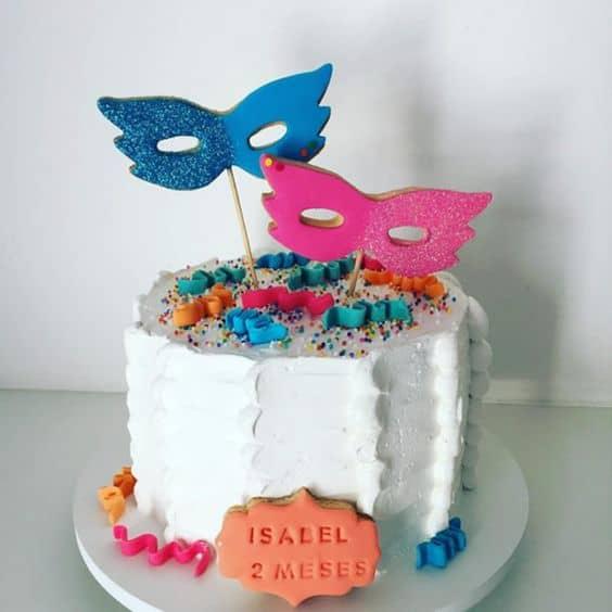 mini bolo de carnaval