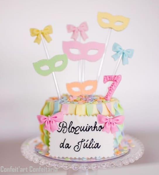 bolo delicado para mesversário