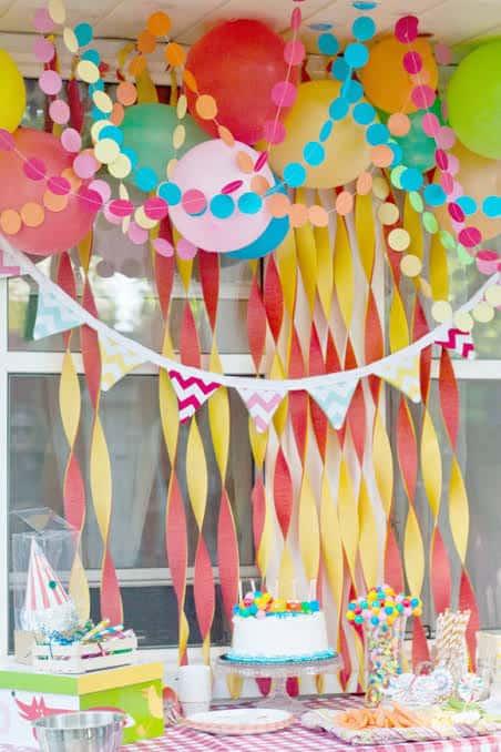 decoração com papel para mesversário